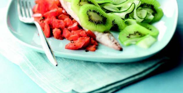 Caballa con compota de tomate, pepino y kiwi