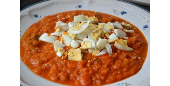 pisto-con-verduras-y-huevo-duro